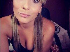 victoria-blonde en Video Chat Erotico
